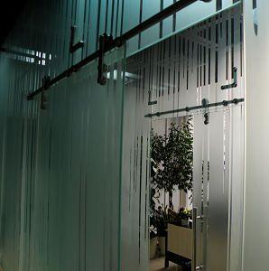 стеклянные перегородки с рисунком