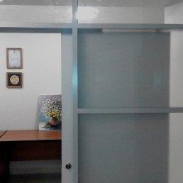 Офисные перегородки с откатными дверьми